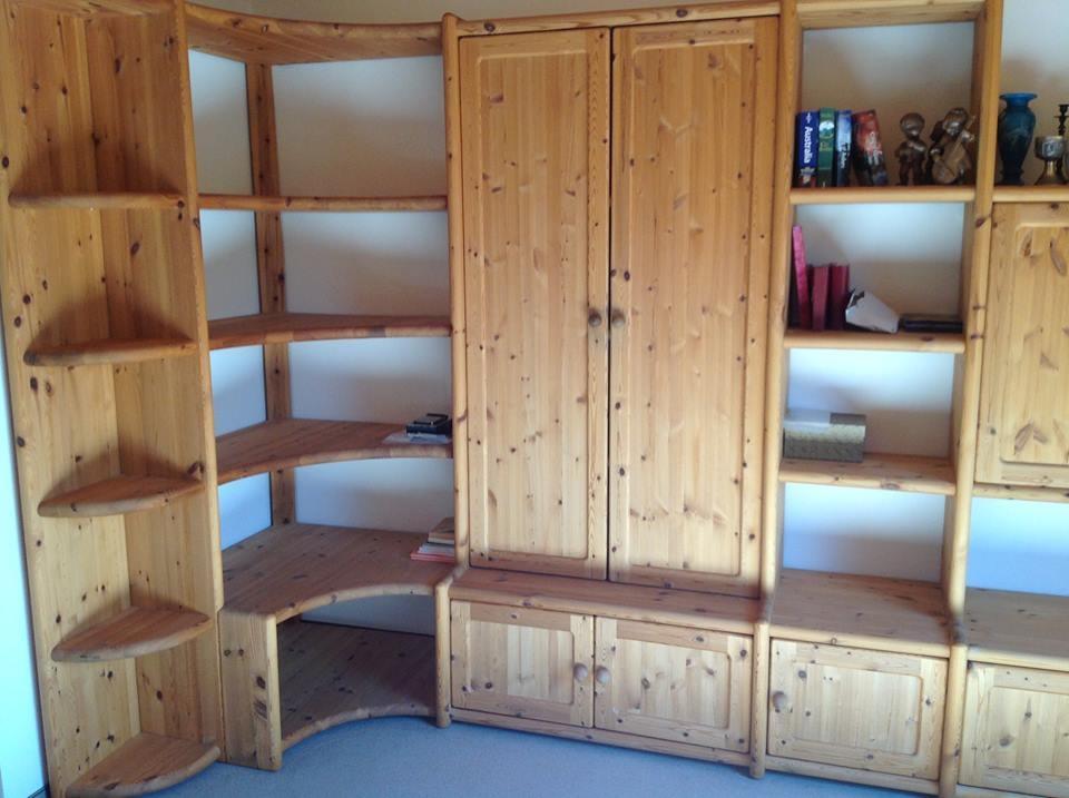 Biete gebrauchte wohnzimmerw nde top zustand echtholz for Gebrauchte mobel inserieren